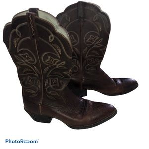 Ariat Cowgirl boots size 9.5B